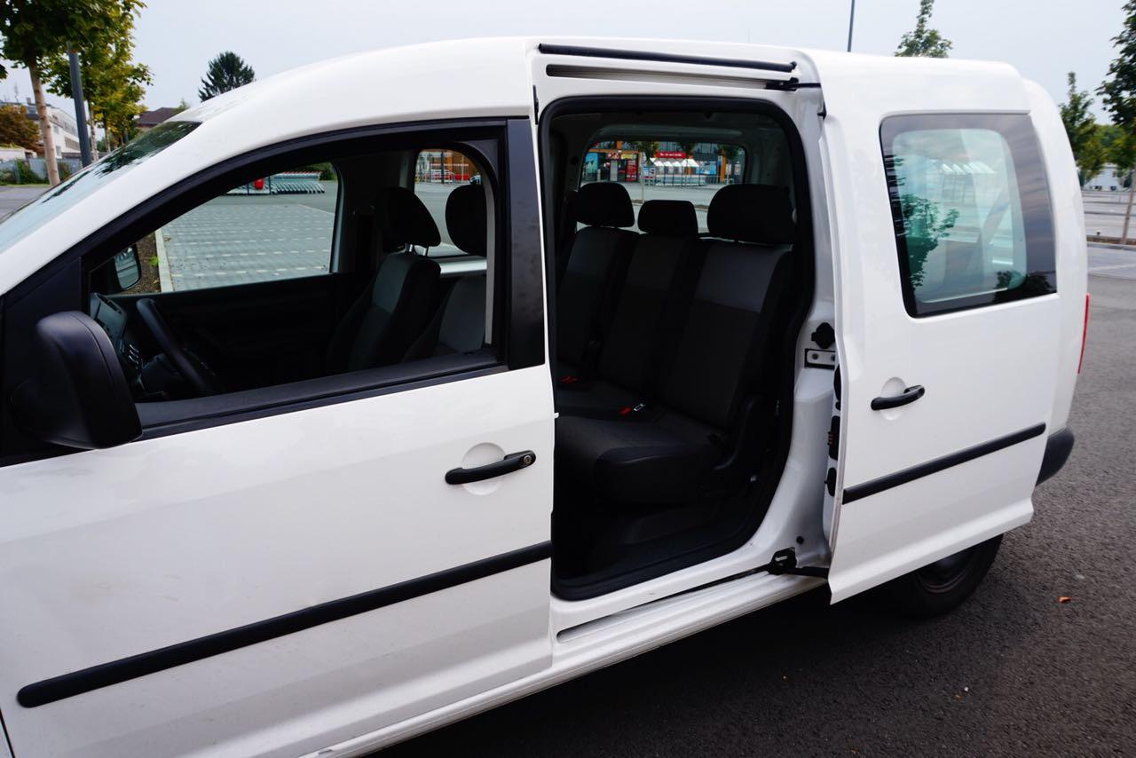 IZF Krankenfahrdienst Fahrzeug 17