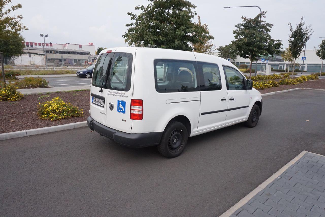 IZF Krankenfahrdienst Fahrzeug 20