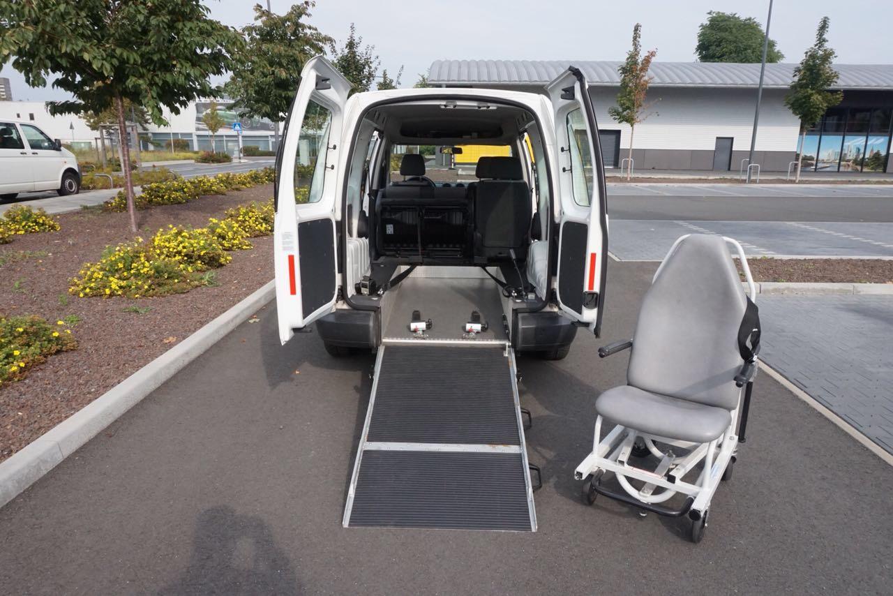 IZF Krankenfahrdienst Fahrzeug 6